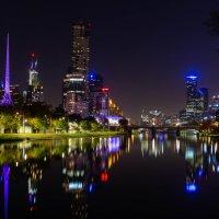 Melbourne, Yarra river, Flinders Street :: Natalia Pakhomova