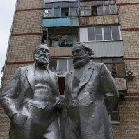 Чапаевск, диалектический материализм. :: Олег Манаенков