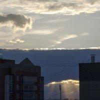 В дали кажется что НЛО садится) :: Виктория Большагина