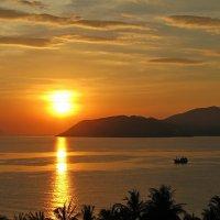 Какое чудо - утром на рассвете встать... И день удачный пожелать, Друзьям, разброссаным по свету!!! :: Вадим Якушев