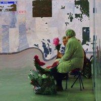 В подземном переходе :: Александр Сапунов