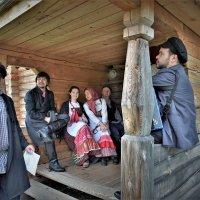 Сценка из деревенской жизни ( репетиция волонтеров ) :: Валерий Талашов