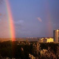 Радуга над городом :: Татьяна Ломтева