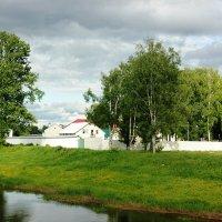 вдоль реки :: Сергей Кочнев