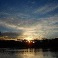 Закат на Новодевичьем пруду :: Ирина Via