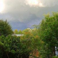 И облака величием могучим в огромные собьются тучи :: Ирэн