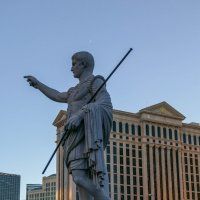 Копия статуи Ю.Цезаря - легендарного древнеримского полководца (Caesars Palace, Лас Вегас) :: Юрий Поляков