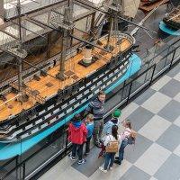Не, у Джека Воробья круче был корабль .... :: VL