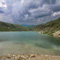 Голубые воды озера Гижгит :: M Marikfoto