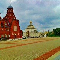 музей хрусталя и Золотые ворота :: Владимир