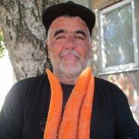 Дядя Миша: сексуальный трехчлен, поза из Камасутры, а, возможно - морковный герб Украины... :: Алекс Аро Аро
