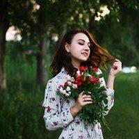 Девушка с розами :: Ася Харченко