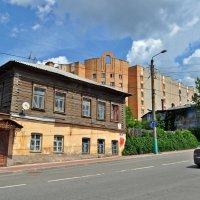 Старые и новые дома :: Лариса Вишневская