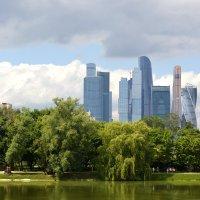 Городской пейзаж... :: Дмитрий Петренко