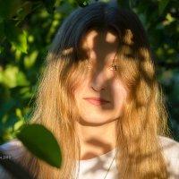 Портрет девушки с золотыми волосами :: Александр Синдерёв