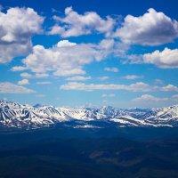 Где то в долеке гора Белуха :: Николай