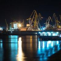 ночной порт :: Алексей