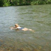 Закаляйся!Позабыв про докторов...!В воде холодной ты купайся,если хочешь быть здоров!;) :: Любовь Иванова