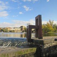 Скульптура «Гигантского Стула на Влтаве», г. Прага :: Tamara *