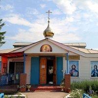 Открыты двери сельских храмов.. :: Андрей Заломленков