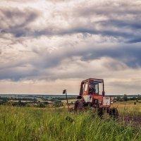 Трактор в поле тыр-тыр-тыр :: Вера Сафонова
