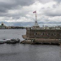 Комендантская пристань :: Сергей Лындин