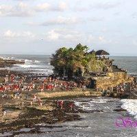 Паломничество к старому храму Танах Лот на Бали. :: seseg Seseg