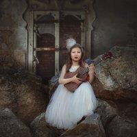 Брынь да  брынь моя гитара. :: Елена Круглова