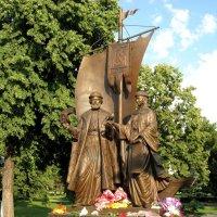 Памятник Петру и Февронии в Самаре :: Надежда