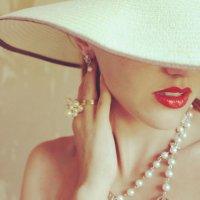 В шляпке :: Алиса