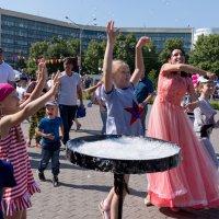 Шоу мыльных пузырей :: Валерий Михмель