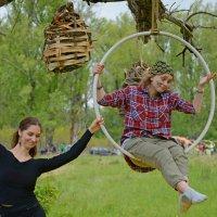 Первые шаги в воздушной акробатике. :: Андрей + Ирина Степановы