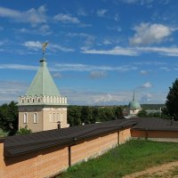 Монастырская стена :: Liliya Kharlamova