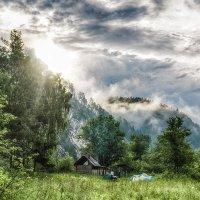 Туманное утро над Белой рекой... :: Pavel Kravchenko