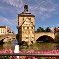 Одна из визитных карточек Бамберга - Старая ратуша :: backareva.irina Бакарева
