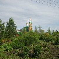 Церковь в сквере :: Вячеслав & Алёна Макаренины