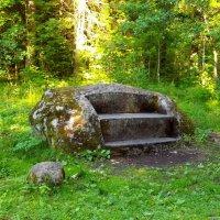 Камень-скамья. :: Лия ☼