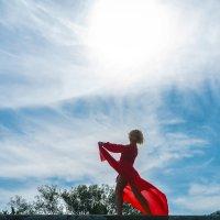 Танцующая под небом :: Сергей Форос