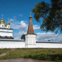 Иосифо-Волоцкий монастырь. :: Владимир Безбородов