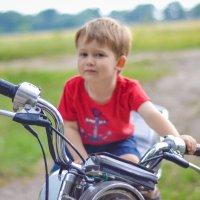 Юный мотоциклист Кир :: Анастасия Науменко