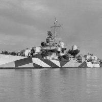 "USS ""Claxton"" (DD-571) off the Mare Island Naval Shipyard, California (USA), on 13.05.1944 :: Александр"