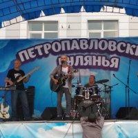 Городские гулянья :: Вячеслав Егоров