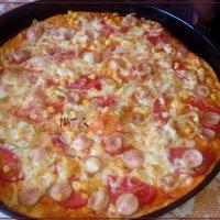 пицца в две пары рук... :: maxim