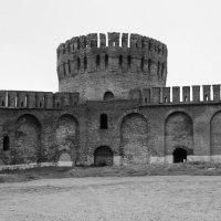 Смоленск. Крепостная стена, башня Орёл. :: Юлия Манчева