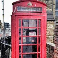 Красные телефонные будки Британии :: Сергей Беличев