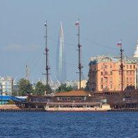 Вид на Лахта Центр с Дворцовой наб. :: Александр Алексеенко