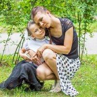 Мама и дочь. :: Александр Лейкум