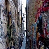 Самая узкая  улочка Стокгольма :: Елена