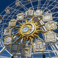 Часы на колесе обозрения, подарок Тюмени на день города :: Дмитрий Сиялов