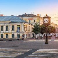 Часы на Трёхсвятской улице Твери :: Юлия Батурина